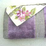 Clutches: ullaulla clutch lyslilla striber med blomster syet af møbelstof
