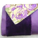 Clutches: ullaulla clutch lilla striber med blomster syet af møbelstof